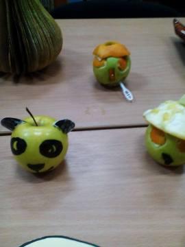 Expozitie de fructe si legume vesele 4